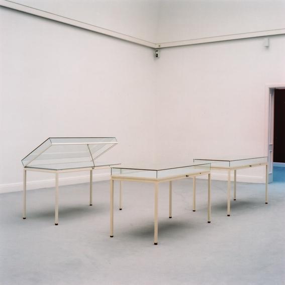 'Vitrines, Kunsthalle Kiel 2005', piezopigmentprint